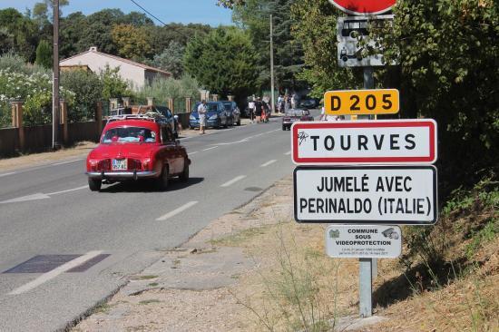 Participez à ce joyeux embouteillage de Tourves