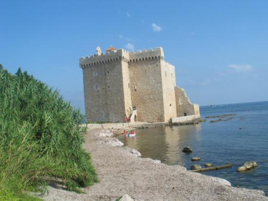 Le Fort de St Honorat (îles de Lérins en face de Cannes)