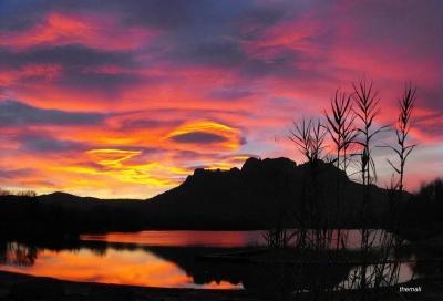 Lac de l'arena et le Rocher de Roquebrune