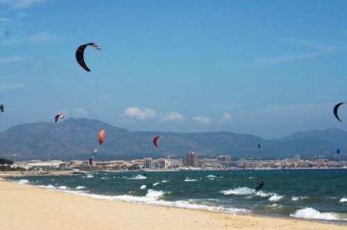 La plage de la Gaillote, St Raphaël à l'horizon