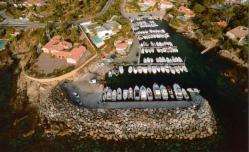 Vue panoramique de port Ferreol en Automne